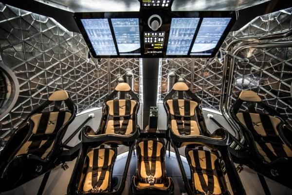spacex-dragon-v2-interior-wide