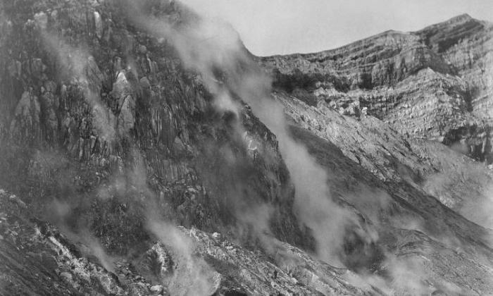 taal-crater-after-1911-eruption-michigan-uni