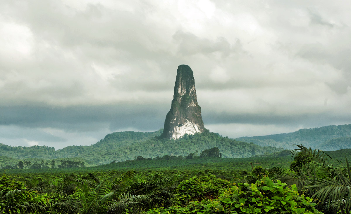 Now it is time to get really serious with the plugs. Pico Cão Grande on Sao Tomé.
