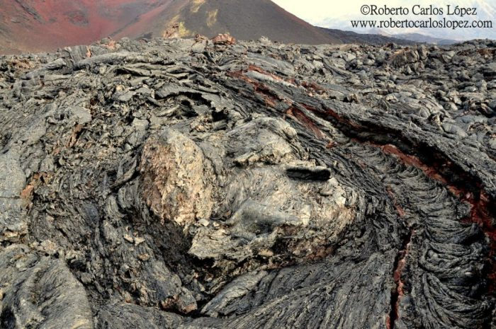 The petrified lava flows, Tolbachik. Photo by Roberto C. Lopez (www.robertocarloslopez.com)