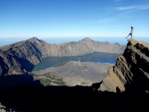 Rinjani: into the abyss. (source: http://blog.eoasia.com/mount-rinjani-trekking/)
