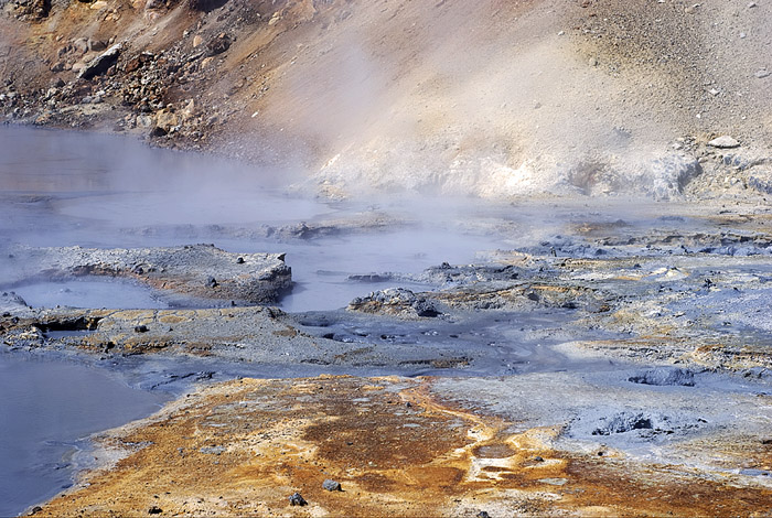 his photograph by Skarphéðinn Þráinsson shows the Seltún hydrothermal field at Krýsúvik volcano.