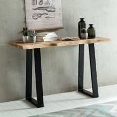 Gaya sivupöytä