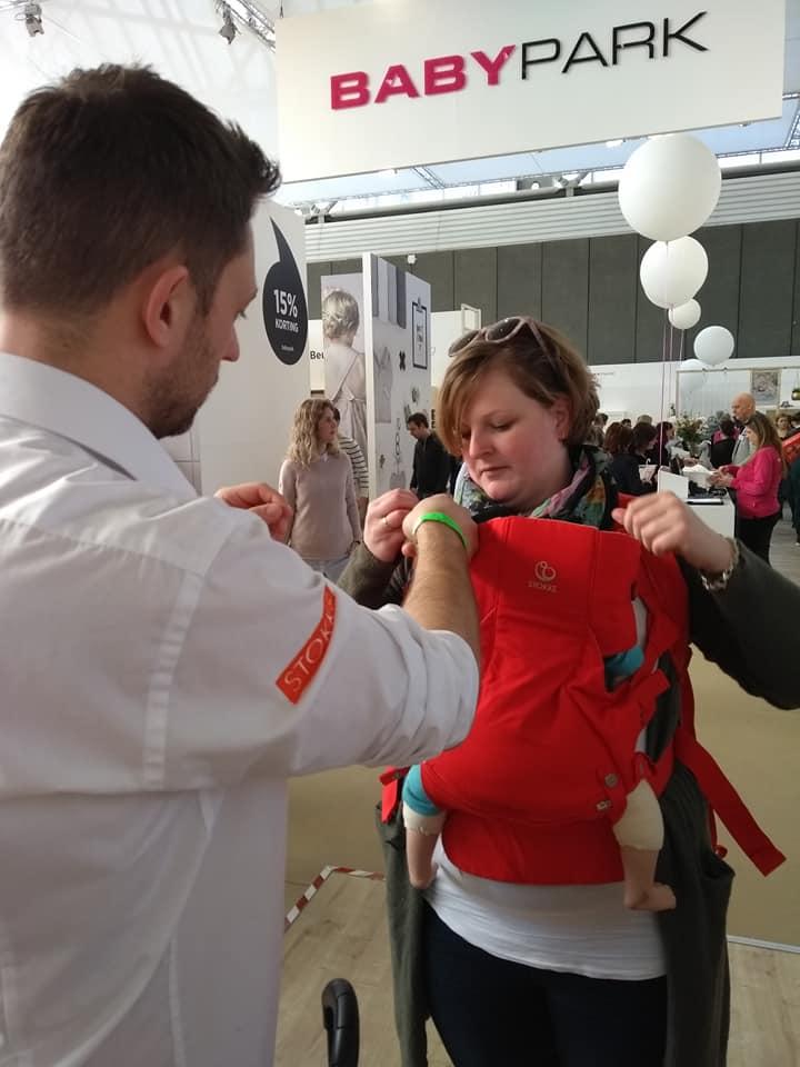 stokke-draagzak-negenmaandenbeurs-athleisure-blog