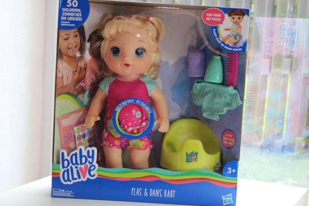 eravring-baby-alive-plas-dans-interactieve-pop-hasbro