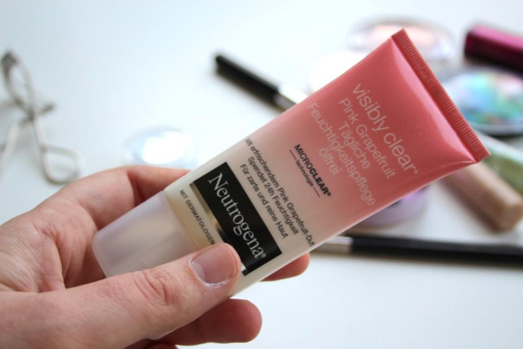 mama-make-up-routine-basis