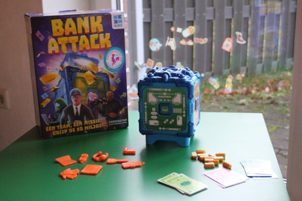 Review Bank Attack Gezelschapsspel van Megableu