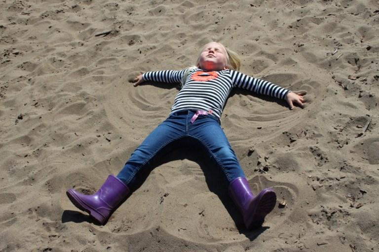 Leukste zandspelletjes voor kinderen op het strand, in de duinen of natuur