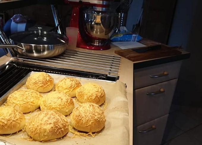 Duitse kaasbroodjes bakken
