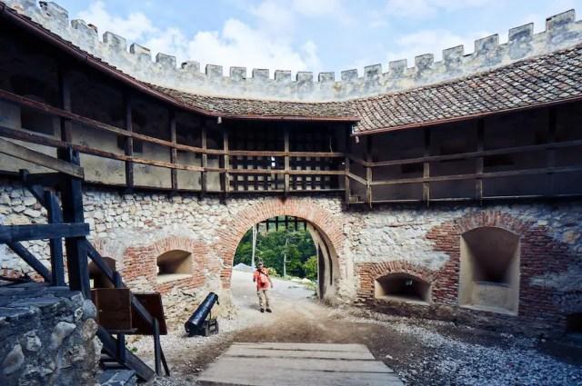 Bauernburg Rosenau / Cetatea Rasnov-Rumänien: Imposanter Eingang