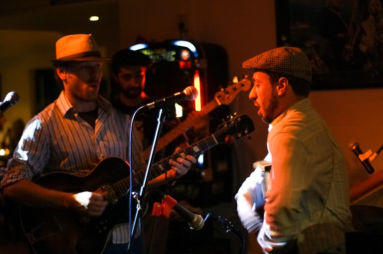California Honeydrops liefern sich musikalische Duelle