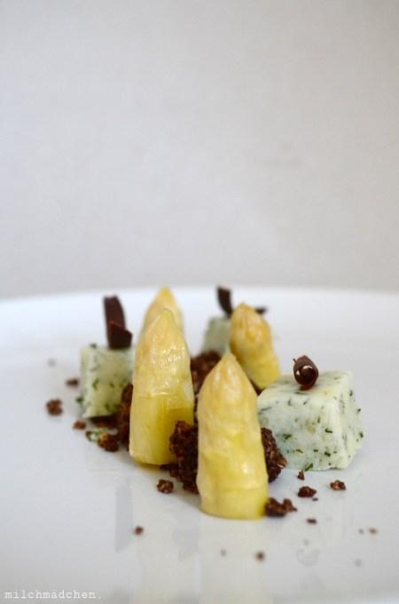 Spargel-Holunder-Dessert | milchmädchen.
