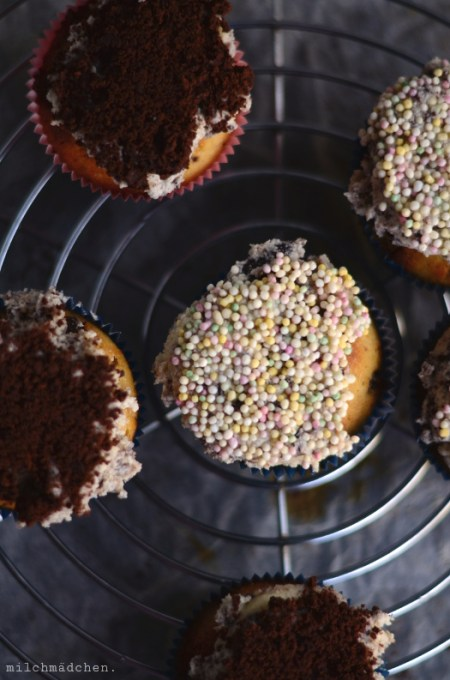 Cookies and Cream Cupcakes nach Molly Yeh | milchmädchen.
