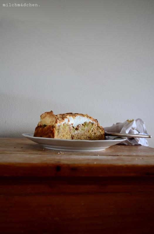 Rhabarber-Baiser-Kuchen | milchmädchen.