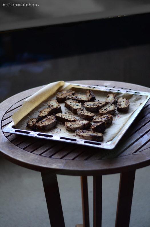 Schoko-Pistazien-Biscotti mit Sauerteig