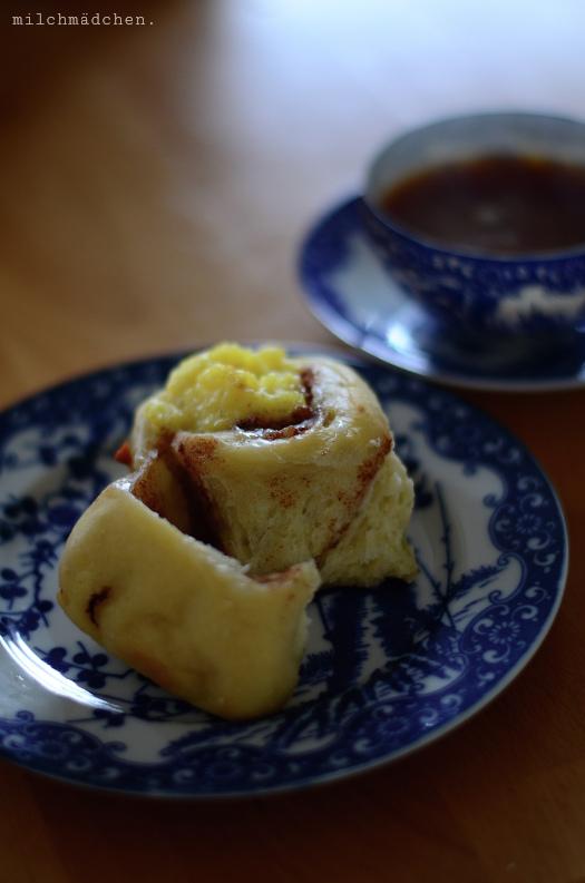 Zimtschnecken mit Vanillefüllung | milchmädchen.