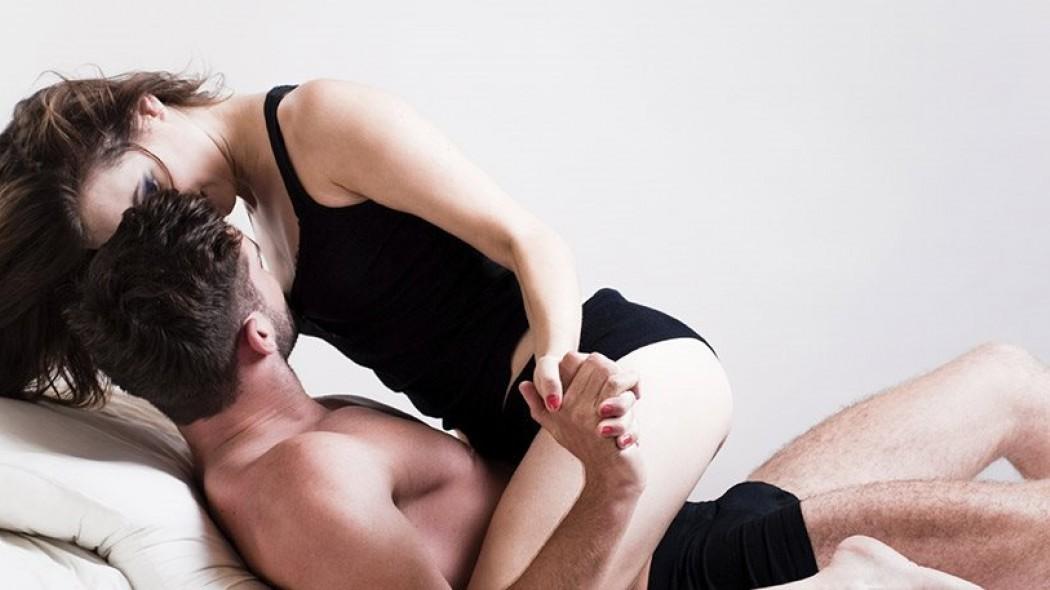 Γιατί γυναίκα squirt κατά τη διάρκεια του σεξ μαύρο fucks μαύρο