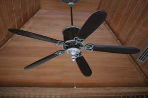 Does a fan use more electricity on high speed - an electric fan