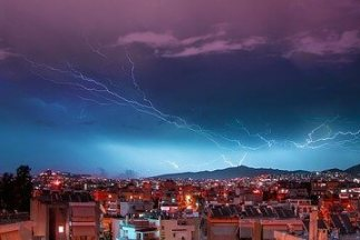 Lightning strike in city