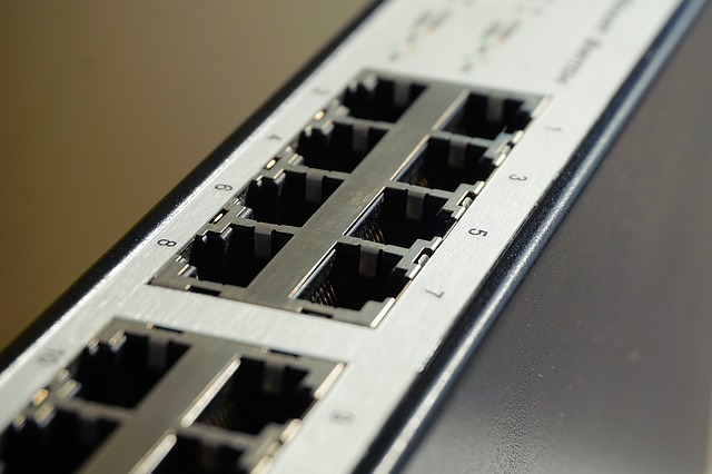 Network Switch vs Router vs Hub - A Network Switch