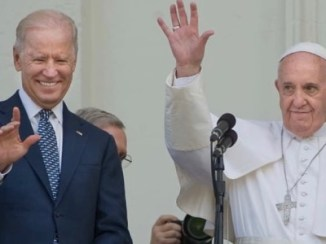 """Biden, Kommandeur der """"wahren Gläubigen"""""""