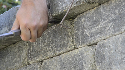 how to install retaining wall lights