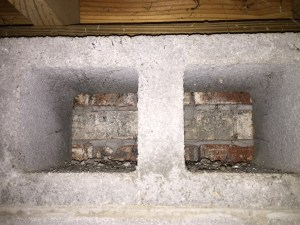 Volunteer Mold Knoxville image of improperly blocked foundation vent.