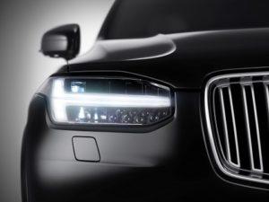 Volvo-XC90-młot-thora