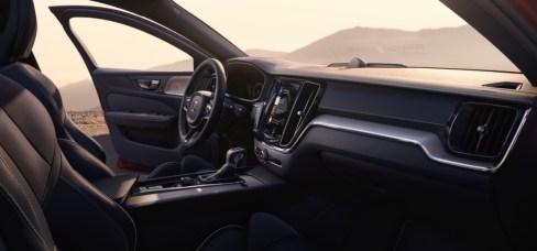 230856_New_Volvo_S60_R-Design_interior