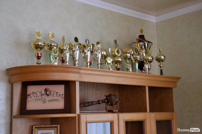 КУбки, які завоювали лісівники на різних змаганнях
