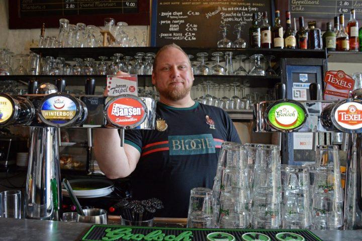 Hans Lardee, eigenaar van Meneer Jansen, het gezelligste speciaalbiercafé in hartje Leiden