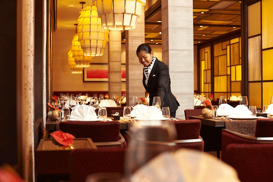 VONsociety: Asien Kreuzfahrt, Europa 2, Asiatisches Spezialitätenrestaurant Elements © Hapag-Lloyd Cruises