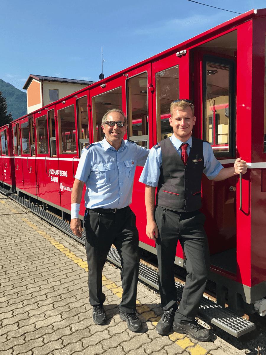 VONsociety: Wolfgangsee Salzkammergut, Schafbergbahn Lokführer Matthias Kresslinger und Andreas Fasl