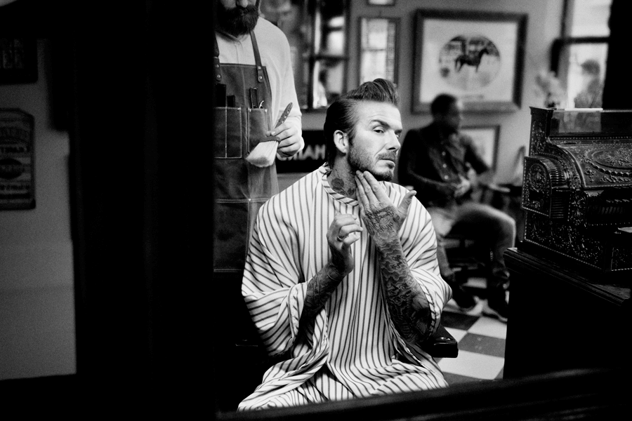 VONsociety: House 99 David Beckham beim Rasieren © House 99