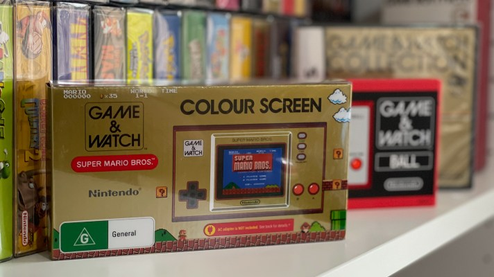 A look at the 35th Anniversary Super Mario Bros. Game & Watch