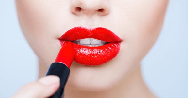 como usar labial rojo en el dia