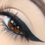 """4 formas diferentes para lograr un """"Winged Eyeliner"""""""