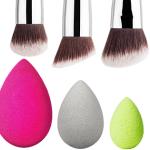 Cuándo usar brochas y esponjas de maquillaje