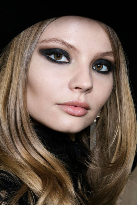 hbz-fw2016-makeup-trends-black-grease-elie-saab-bks-a-rf16-4489