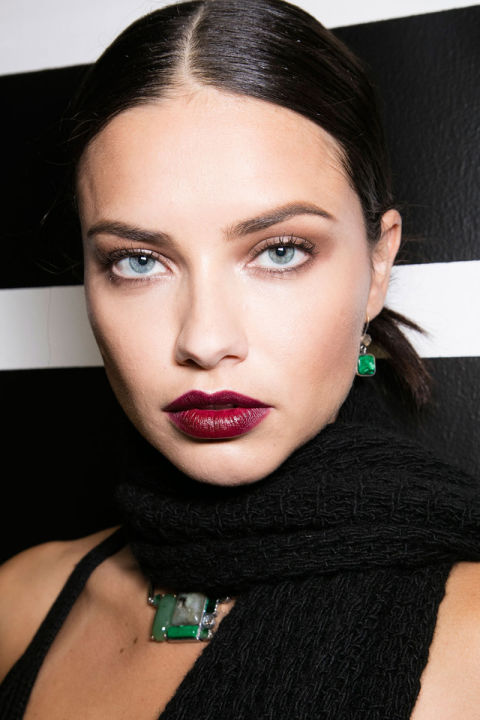 hbz-fw2016-makeup-trends-goth-lips-bottega-veneta-bks-a-rf16-9003