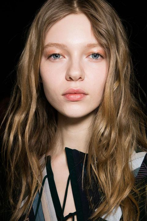 hbz-fw2016-makeup-trends-peach-eyes-bcbg-bks-a-rf16-9571