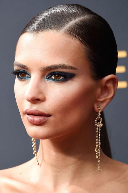 emili-r-emmys-2016-makeup