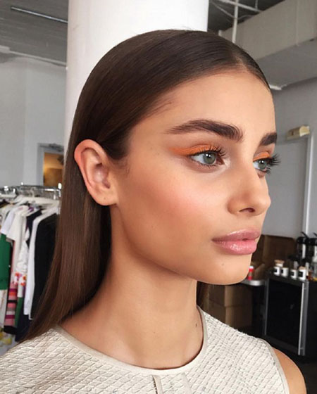 taylor-hill-look-2