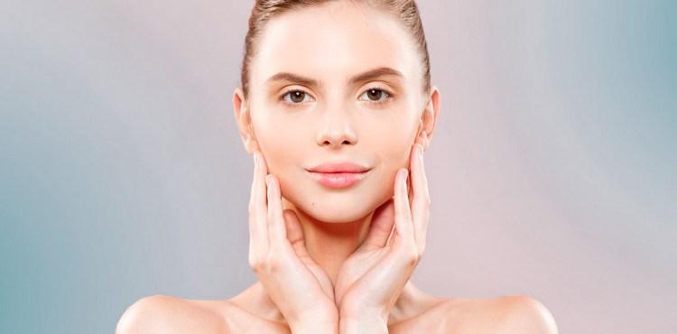 Limpieza-facial-para-piel-sin-brilloo-en-epoca-de-calor