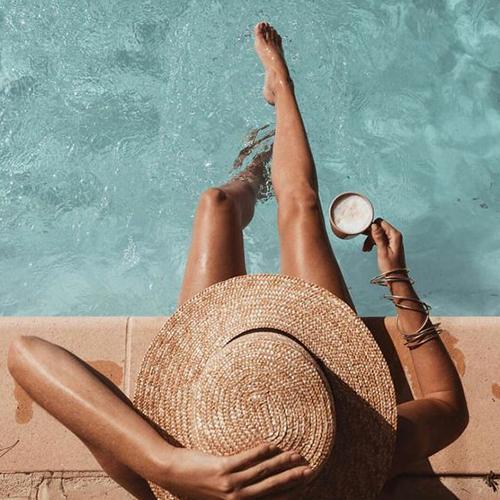 Protege tu cabello del sol y del mar con un sombrero