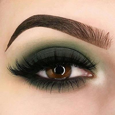 maquillaje de ojos verde para fiestas mexicanas
