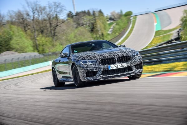 P90346916_lowRes_the-new-bmw-m8-compe