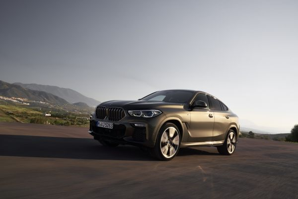 P90356698_lowRes_the-new-bmw-x6-drivi