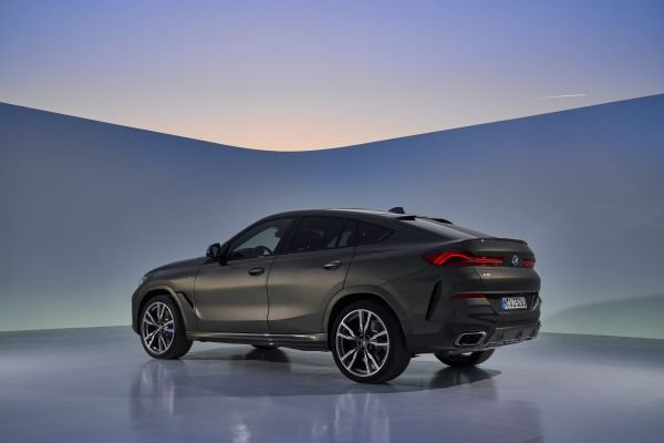 P90356699_lowRes_the-new-bmw-x6-still