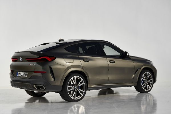 P90356708_lowRes_the-new-bmw-x6-still